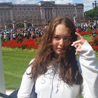 Profilbild Weltbürger-Stipendiatin Sophie